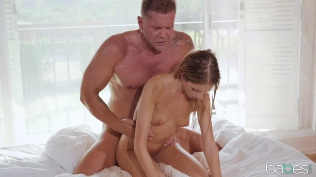 После расслабляющего массажа девка готова сама запрыгнуть на член самца #8